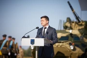 Zelensky recuerda la guerra en el Donbás el día del fin de la Segunda Guerra Mundial