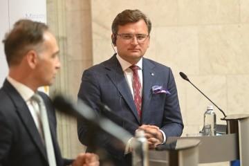 Kuleba espera reunirse con ministros de Asuntos Exteriores en formato Normandía en septiembre
