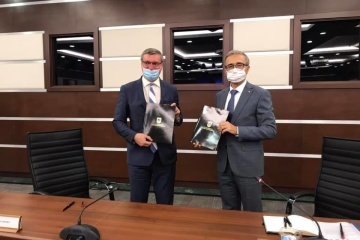 Ucrania y Turquía firman un memorando de cooperación en áreas estratégicas
