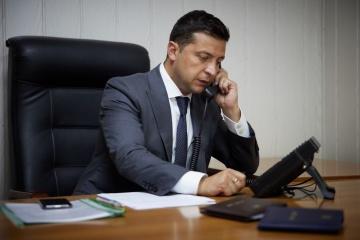 ゼレンシキー大統領、トルドー加首相と電話会談