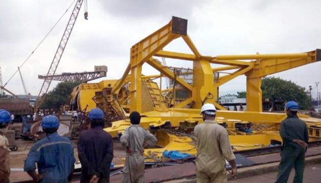В Індії завалився 70-тонний кран - загинули 11 робітників