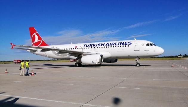 Больше всего полетов в небе Украины в 2020 году выполнила турецкая компания