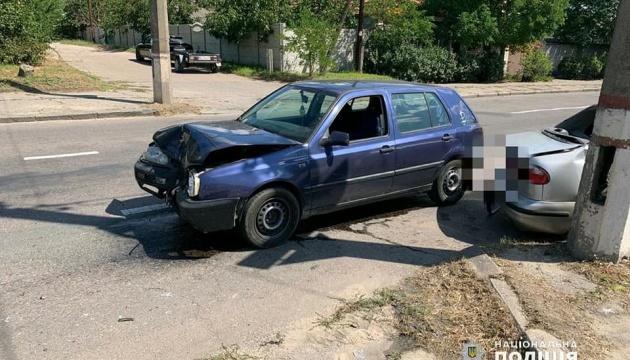 У Миколаєві зіткнулися два авто: серед травмованих троє дітей