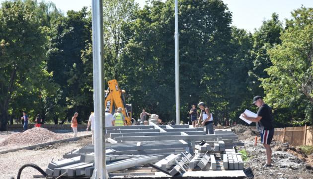 Спорудження спорткомплексу у Краматорську обіцяють завершити до 1 жовтня