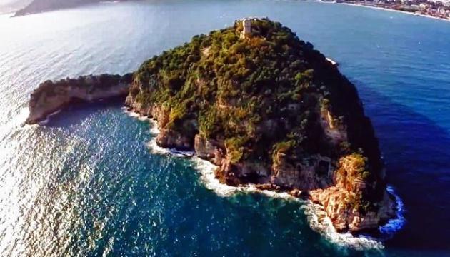 Син олігарха Богуслаєва купив острів в Італії за €10 мільйонів - ЗМІ