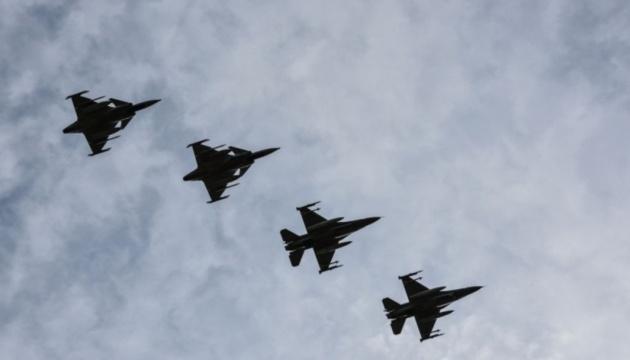 Авиапатруль НАТО семь раз  за неделю сопровождал военные самолеты РФ над Балтикой
