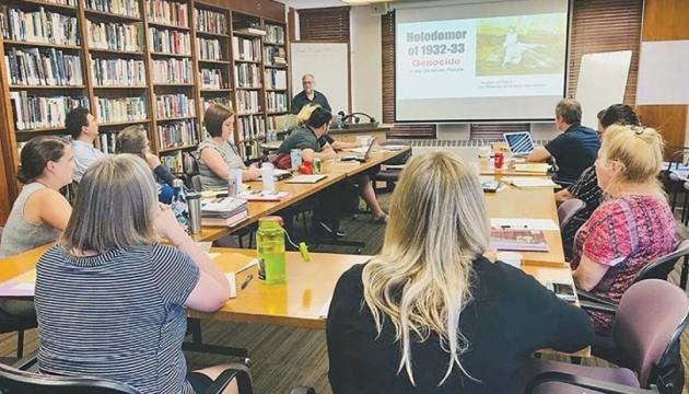 Український центр в Міннеаполісі допомагає освітянам і громадськості дізнатися про Голодомор