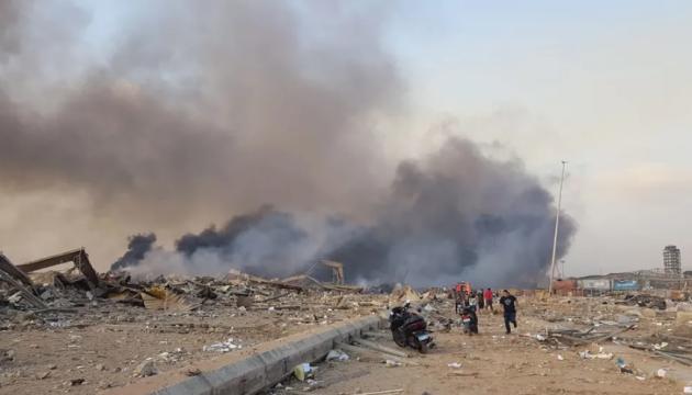 Вибухи в Бейруті: Влада назвала ймовірну причину, в місті можуть ввести НС