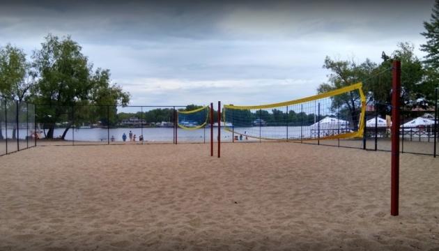 На 11 пляжах Києва виявили кишкову паличку