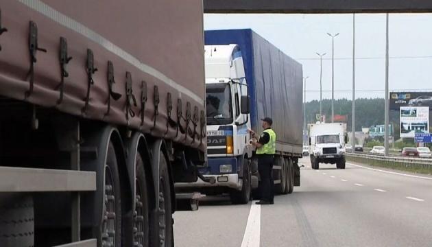 Київ через спеку обмежив в'їзд вантажівок
