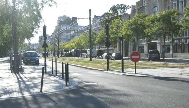 У Франції невідомий захоплював заручників у банку