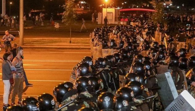 В Беларуси количество задержанных возросло до 200, среди них есть журналисты