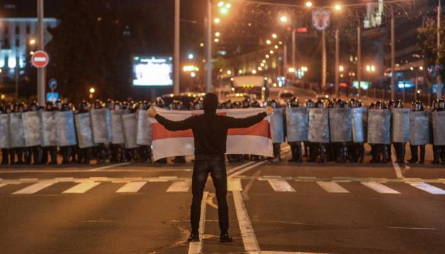 Жыве Беларусь: що пишуть соцмережі про ніч протестів