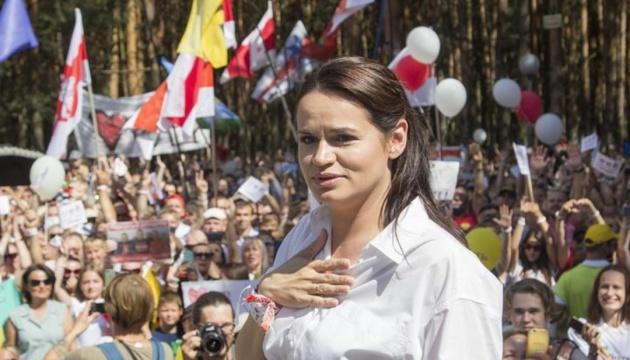 Тихановська просить посередництва Макрона