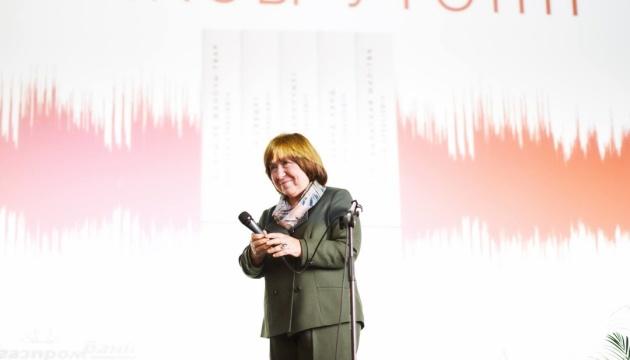 Нобелівська лауреатка Алексієвич прибула на допит у Слідком Білорусі