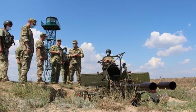 Глава ДПСУ перевірив роботу пунктів пропуску на адмінмежі з Кримом