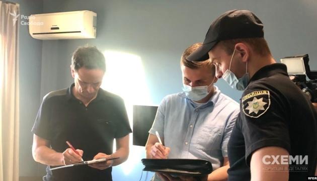 Le journaliste d'investigation ukrainien Mykhailo Tkach trouve des traces de dispositifs de surveillance à son domicile