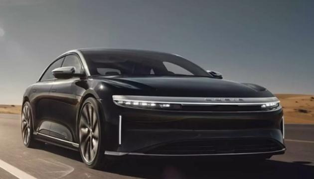 Новий електромобіль із США зможе проїхати від одного заряду понад 800 кілометрів