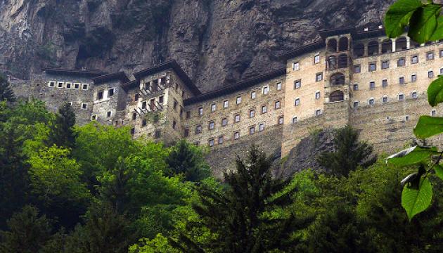 У старовинному турецькому монастирі Сумела провели перше за 5 років богослужіння
