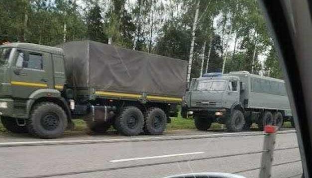 В Смоленской области колонна военной техники двигается в сторону Беларуси – СМИ