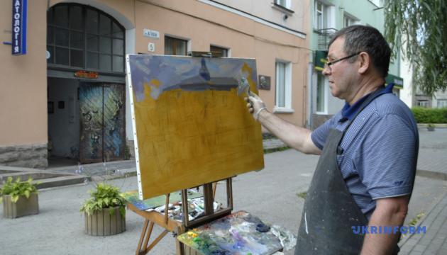 На Тернопільщині стартував міжнародний пленер, присвячений творчості Пінзеля