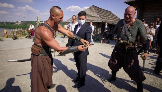 Як козаки Зеленського на хоробрість перевіряли