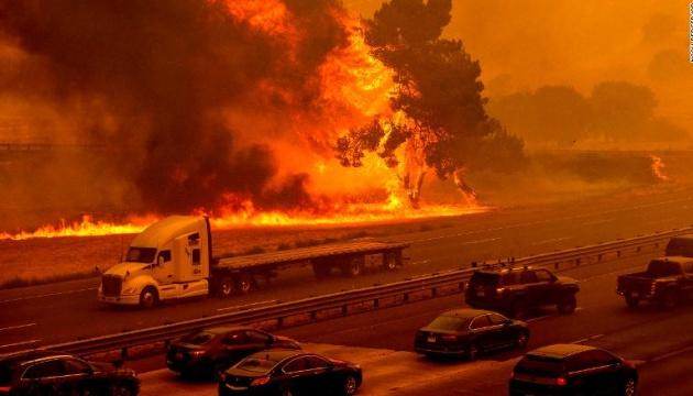 Пожары в Калифорнии повлекли изменения климата - губернатор