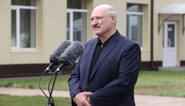 Lukashenko confirma la contratación de los propagandistas rusos en la televisión de Belarús