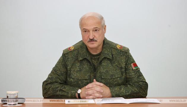Лукашенко готовит ответ на санкции стран Балтии
