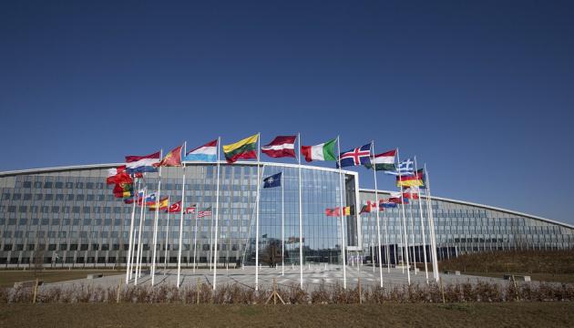 Оборонний бюджет НАТО у 2020 році перевищив трильйон