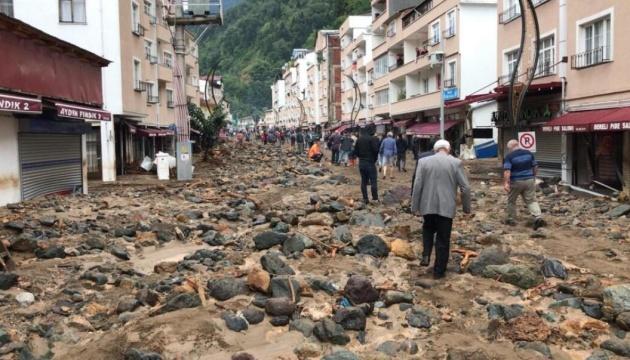На севере Турции сошли сели: 4 погибших, 11 пропавших без вести