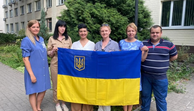 Мир в Україну прийде разом із синьо-жовтими прапорами у Криму - Представництво Президента в АРК