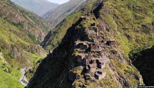 У горах Грузії у прірву впав мікроавтобус, 12 загиблих