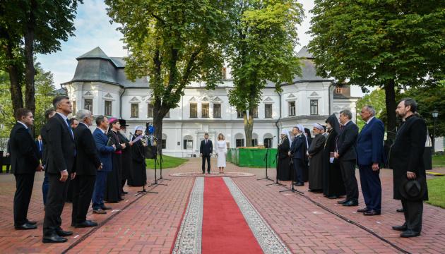Volodymyr Zelensky et son épouse ont prié pour la paix en Ukraine