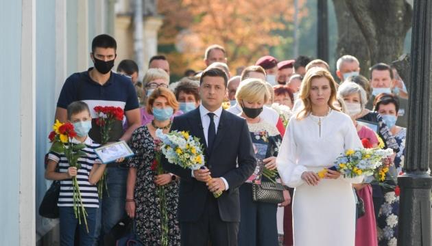Зеленський вшанував пам'ять полеглих захисників України