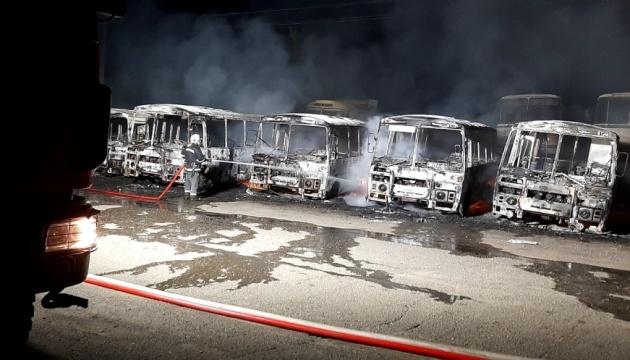 В автопарке в Черкасской области сгорели 12 автобусов - ГСЧС