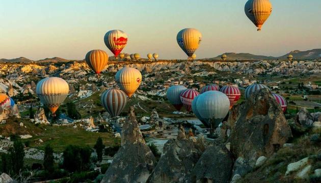 У Туреччині відновили туристичні польоти на повітряних кулях