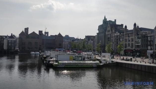 В Амстердамі за день оштрафували майже 150 порушників маскового режиму