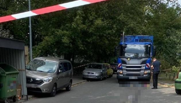 Суд арестовал водителя мусоровоза, сбившего женщину с ребенком