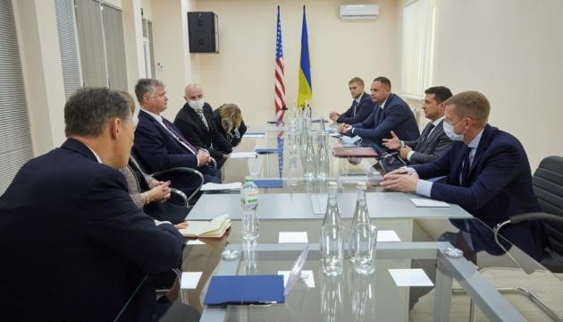 Biegun sichert Ukraine Zweiparteien-Unterstützung zu