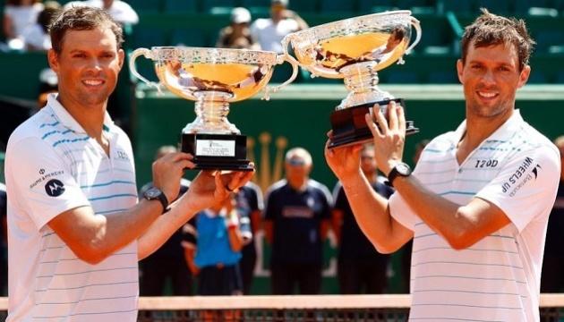 Брати Браяни завершили ігрову тенісну кар'єру