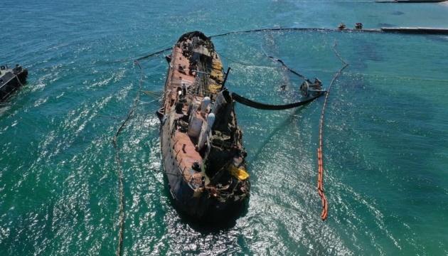 В Одесі готуються до герметизації правого борту танкера Delfi