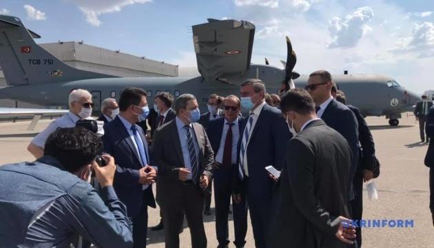 Minister Uruskyj: Wir sind an Möglichkeiten türkischer Verteidigungsindustrie interessiert