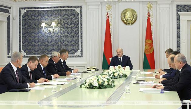 Лукашенко після різкої девальвації заявив, що в країні - плаваючий курс