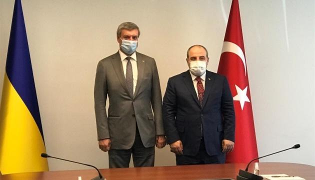 Україна та Туреччина домовилися про інтенсифікацію співпраці в оборонній сфері