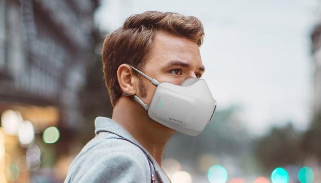 LG представила маску з очищувачем повітря