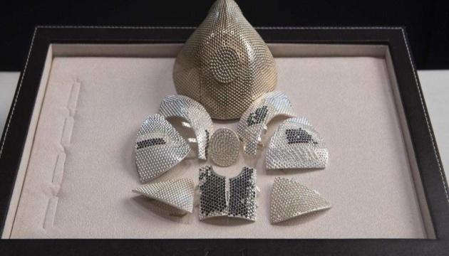 Захисні маски з баклажанів і діамантів, або Як заробити на пандемії