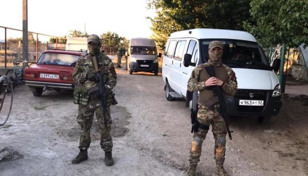 МЗС вимагає від Росії звільнити затриманих сьогодні у Криму та інших 100 громадян України