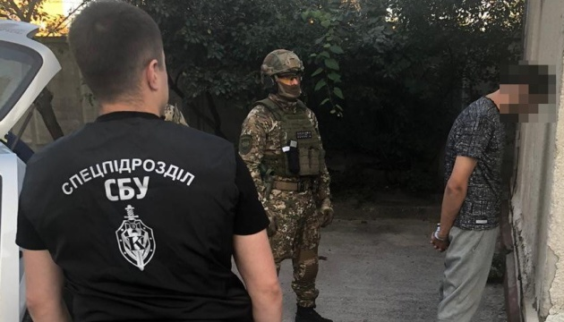 На Харківщині банда тероризувала бізнесменів, погрожуючи вбивствами дітей