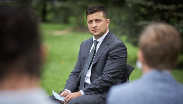 Zelensky felicita a los ucranianos por el Día Internacional del Libro Infantil y Juvenil